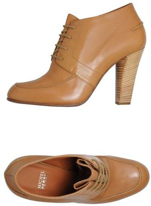 Michel Perry Lace-up shoes