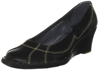 Groundhog Women's Terrina Slip-On Loafer
