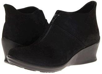 Wolky Destiny (Black Nubuck Leather) Women's Zip Boots
