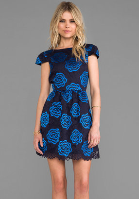 Alice + Olivia Nelly Puffed Short Sleeve Dress