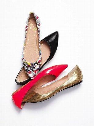 Victoria's Secret Colin Stuart Pointed-toe Flat