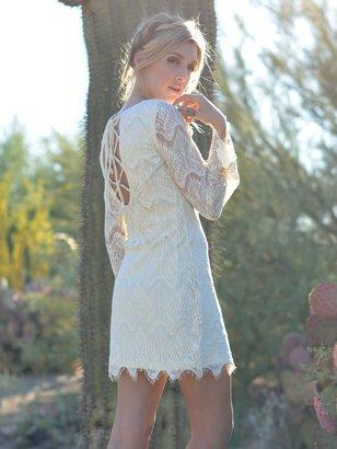 West Coast Wardrobe Belle La Vie Lace Dress In Cream