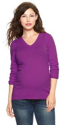 Gap Eversoft V-neck sweater