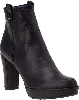 Stuart Weitzman Hipgal Boot Black Leather