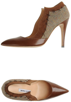 Manolo Blahnik Closed-toe slip-ons