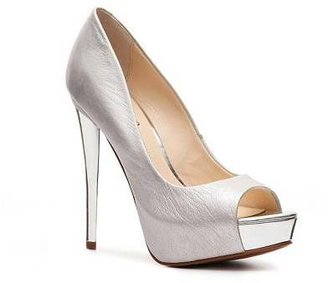 Boutique 9 Claudius Metallic Pump
