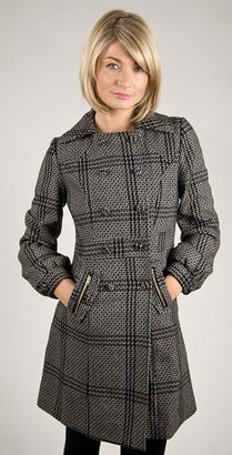 Tulle Novelty Double Breast Houndstooth Coat in Black and Tea Stain
