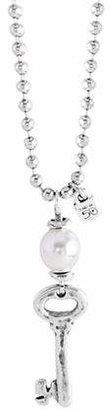Uno de 50 Llavestruz Shell Pearl and Sterling Silver Beaded Key Pendant Necklace