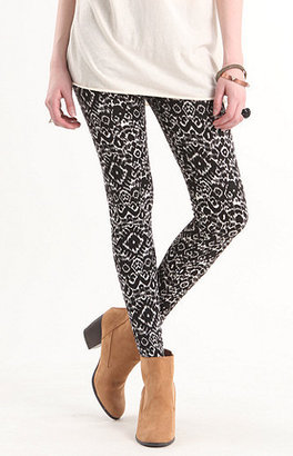 Kirra Black White Tribal Leggings