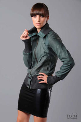 Doma Bomber Jacket with Detachable Collar