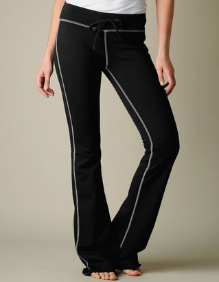True Religion WOMENS LIMITED EDITION SWITCHBLADE ROSE SWEATPANTS - (Black)