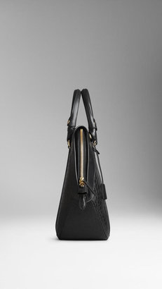 Burberry The Medium Orchard in Alligator Leather
