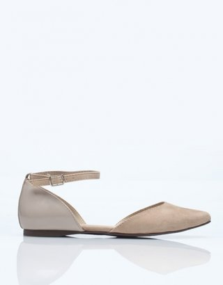 Olivia Flat in Taupe