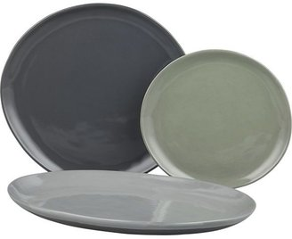 Crate & Barrel Welcome Dinner Plate.