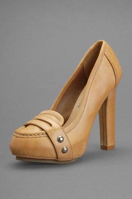 True Religion Women's Hathaway Loafer Heel - Tan