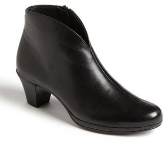 Women's Munro 'Robyn' Boot $224.95 thestylecure.com