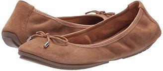 Me Too Halle (Alpaca Suede) Women's Flat Shoes