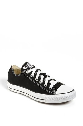 Converse Chuck Taylor(R) Low Top Sneaker
