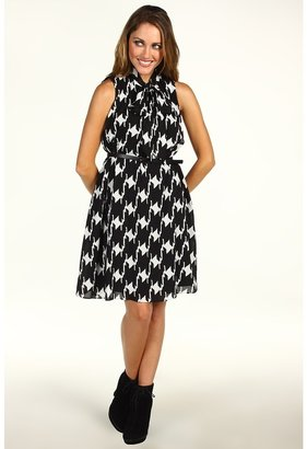 Vince Camuto Sleeveless Dress VC2P1637 (White/Black) - Apparel