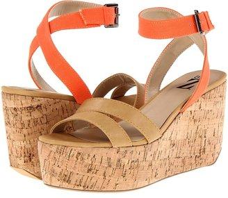 Type Z Gladys (Taupe/Black) - Footwear