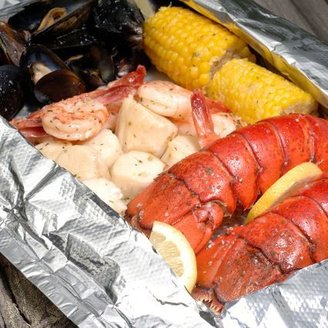 Sur La Table Hancock Gourmet Lobster Company's Maine Shore Dinner