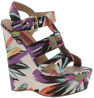 London Rebel Wedge With Chunky Straps In Floral Print