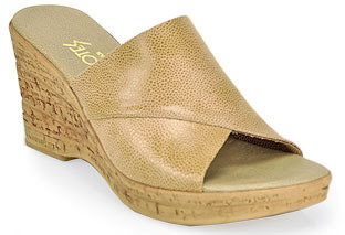 Footnotes Christina - Beige Leather Wedge
