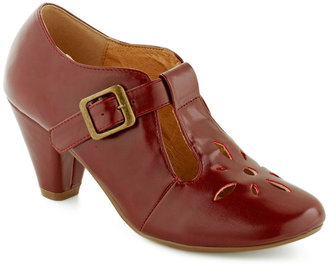Chelsea Crew Burst of Style Heel in Burgundy
