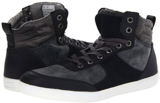 GUESS Jefferson (Green Camo) - Footwear