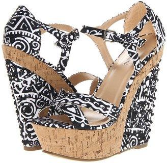 Call it SPRING Adamusova (Black/White) - Footwear