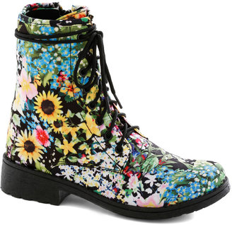 Back in Blooms Boot