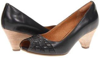 Clarks Zaya Path (Black Leather) - Footwear