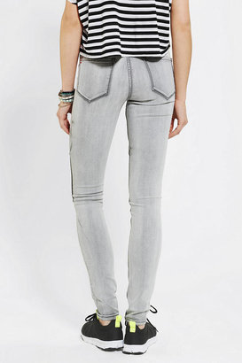 BDG Twig High-Rise Knee Patch Jean