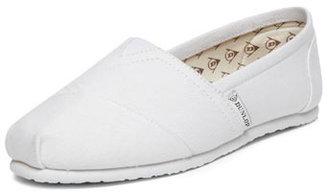 Dunlop White canvas shoes