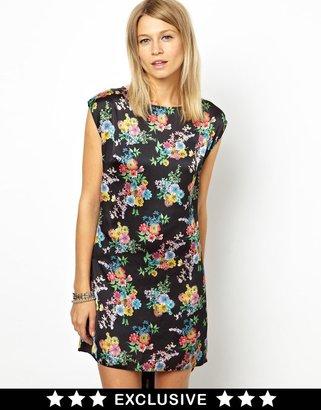 Love Dress In Floral Print - Black