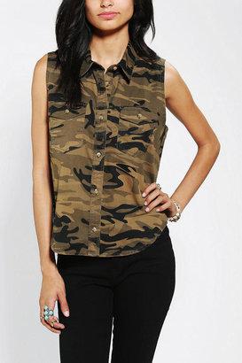 Camo BDG Sleeveless Button-Down Shirt