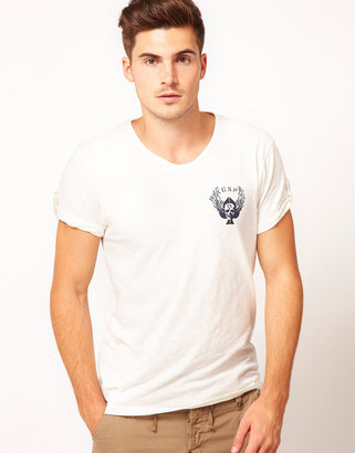 Ringspun V-Neck T-Shirt Pryde