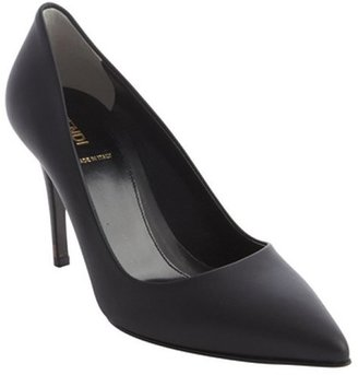 Fendi black leather pointed toe pumps