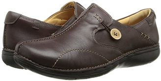 Clarks Un.loop (Black Leather) Women's Slip on Shoes