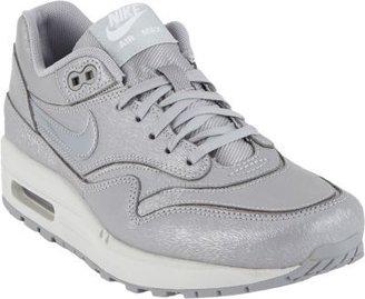 Nike 1 Cutout Premium Sneakers