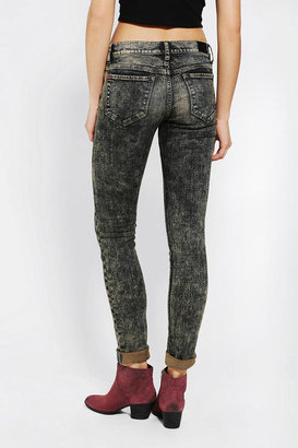BDG Cigarette Mid-Rise Jean - Tinted
