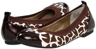 Me Too Kaden (Brown Giraffe) - Footwear
