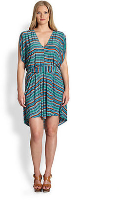 T-Bags Los Angeles, Sizes 14-24 Flutter-Sleeve Printed Dress