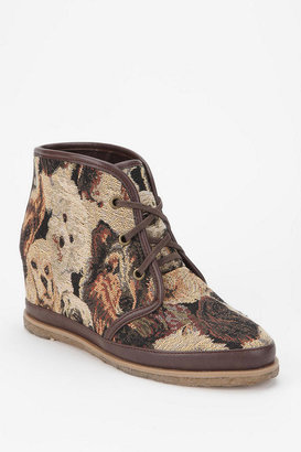 8020 Eliotte Tapestry Ankle Boot