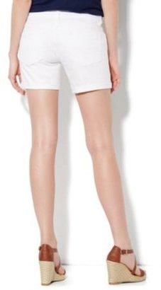 New York & Co. Slim Slouch Montauk Short - Optic White