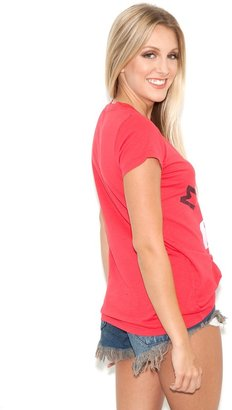 Rebel Yell Rebell Yell Malibu V Neck Tee in Red