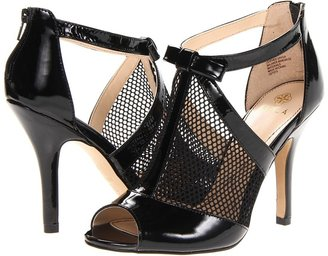 Isola Bevin (Black Patent Leather/Black Mesh) - Footwear