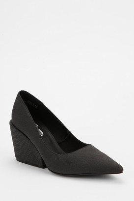 Cheap Monday Scaled Block-Wedge Pump
