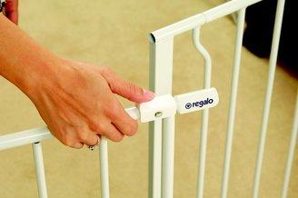 Regalo Easy Open Extra Wide Walk Through Gate - White