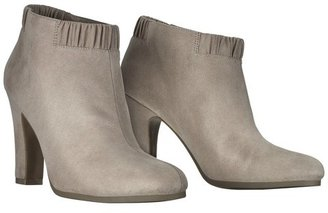 Sam & Libby Women's Selena Ankle Boot with Scrunch Back - Assorted Colors